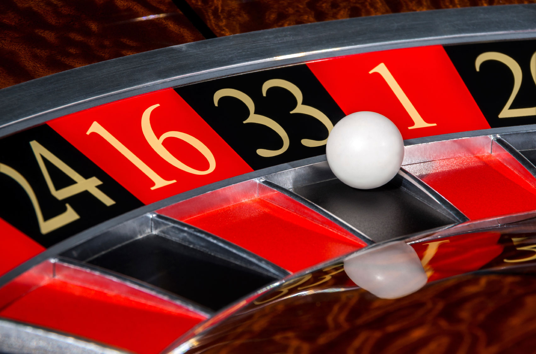 Roulette table games online
